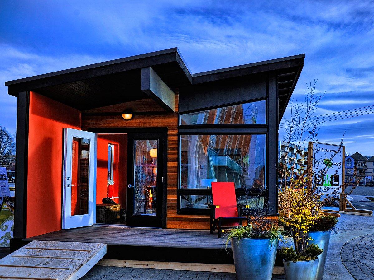Modern Small Home Design Modern Home Designs: Gallery: Studio37, A Modern Prefab Cottage
