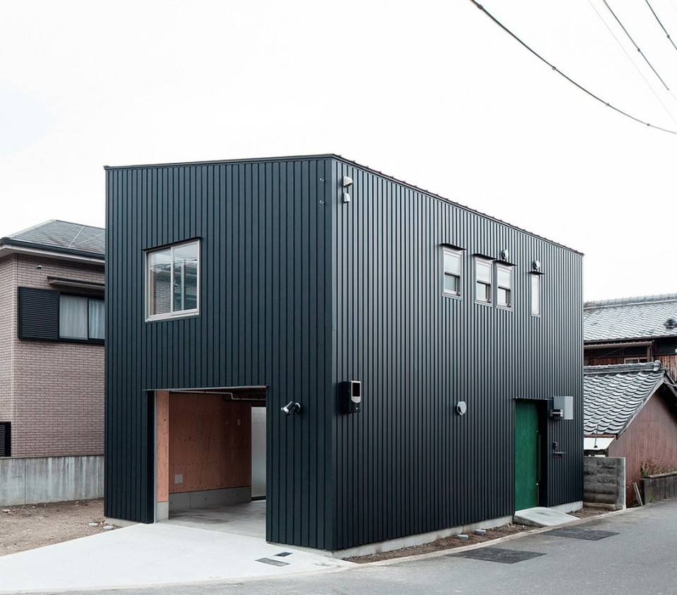 Danchi hutch by yoshihiro yamamoto architects small for Adu plans for sale