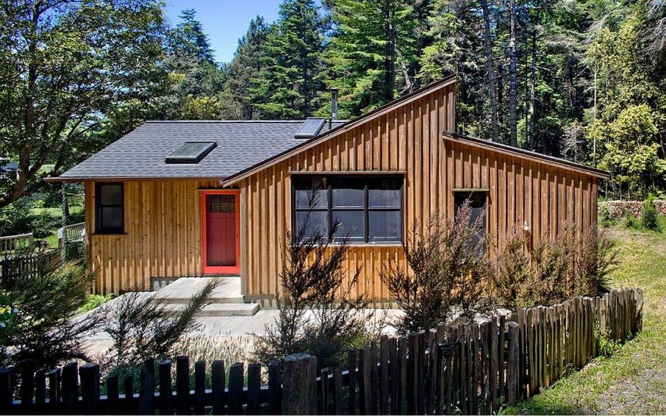 A woodsy cottage by architect Cathy Schwabe with 2 bedrooms in 840 sq ft   www.facebook.com/SmallHouseBliss