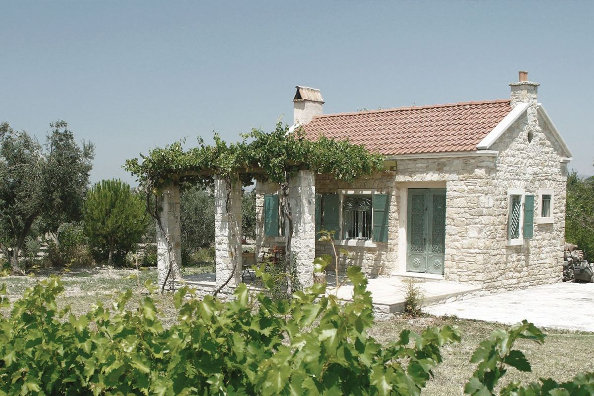 A family s cottage retreat in the turkish countryside for Small stone cottage