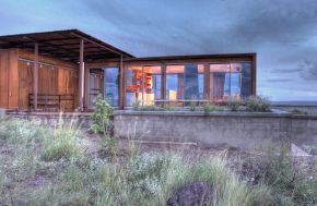 The Marfa weeHouse, a compact but luxurious desert retreat. The modern prefab has a 440 sq ft studio floor plan. | www.facebook.com/SmallHouseBliss