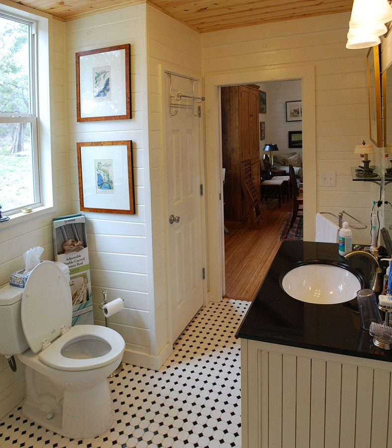 Texas hill country cottage by kanga room systems small for Small bathroom design cottage