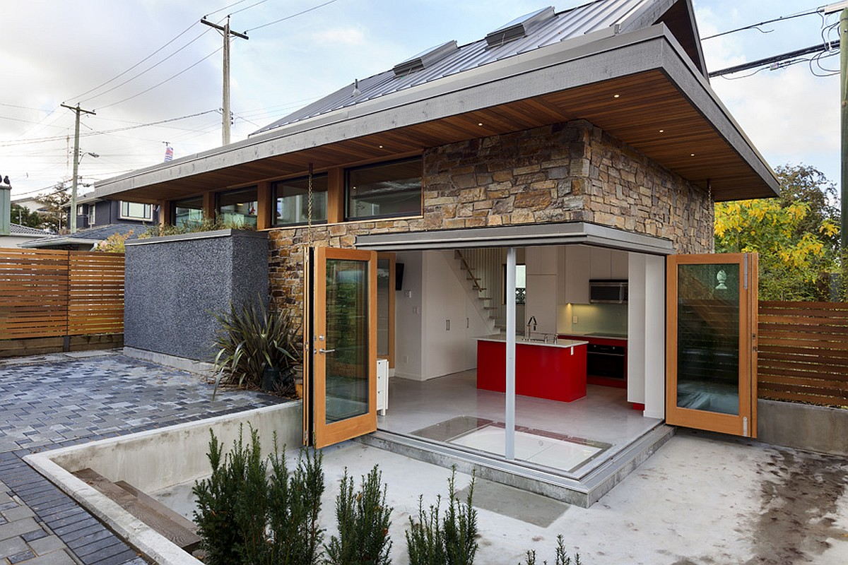 An energy efficient contemporary laneway house by lanefab for Small urban house plans