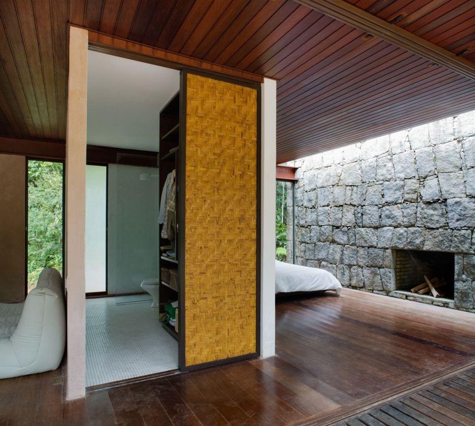 Casa Rio Bonito, a weekend retreat in the Brazilian jungle, has 1 bedroom in 753 sq ft | www.facebook.com/SmallHouseBliss