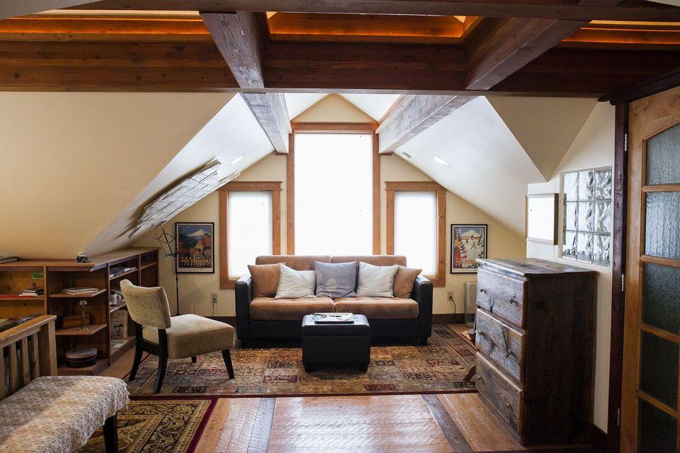 garage loft apartment ideas - A cozy coach house loft