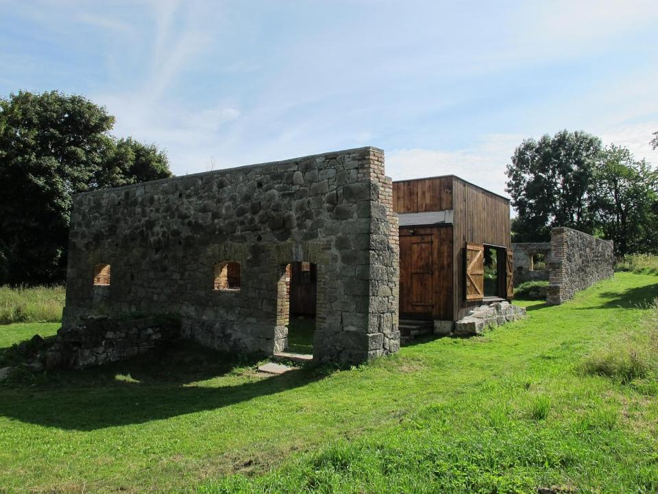 This simple rustic retreat in the Czech countryside was built inexpensively from recycled materials.   www.facebook.com/SmallHouseBliss