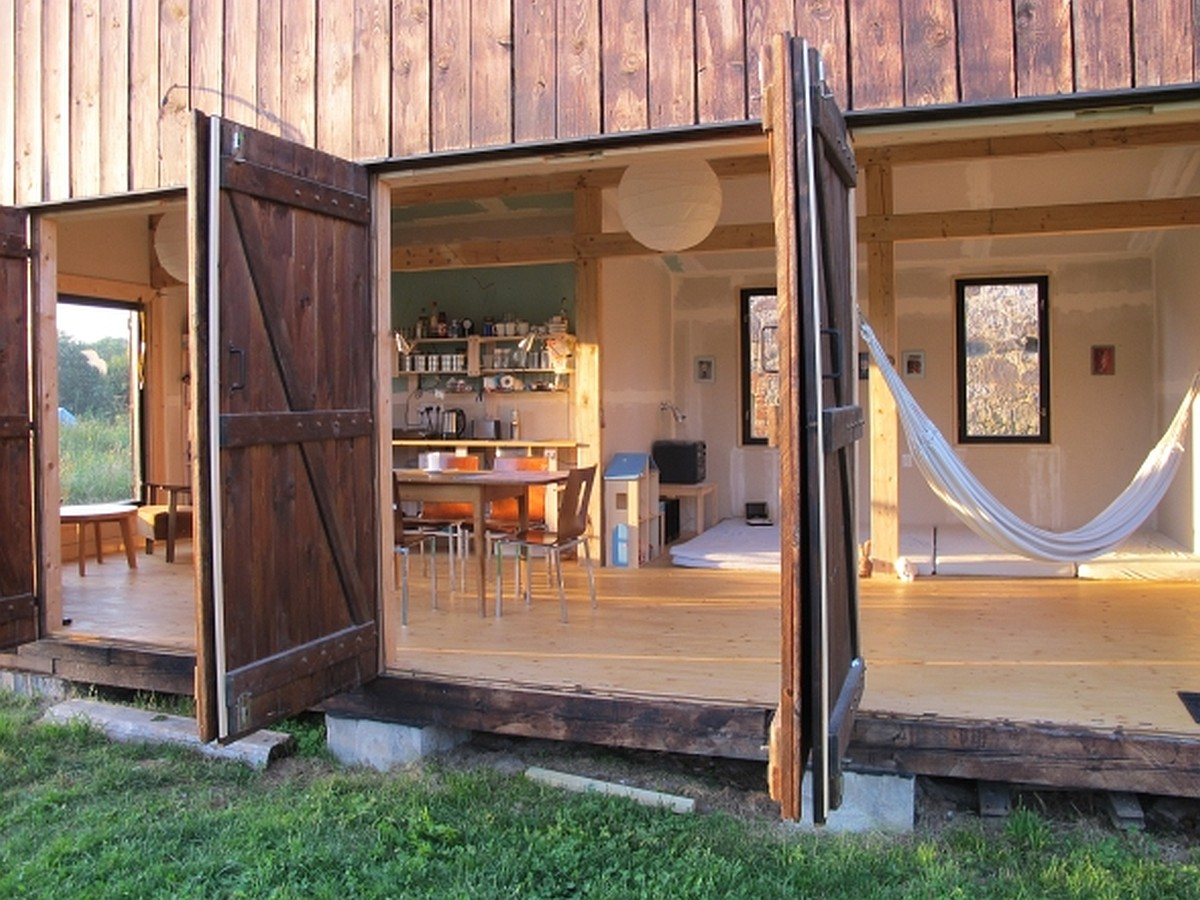 Gallery a simple rustic retreat in the czech countryside for Minimalist rustic house