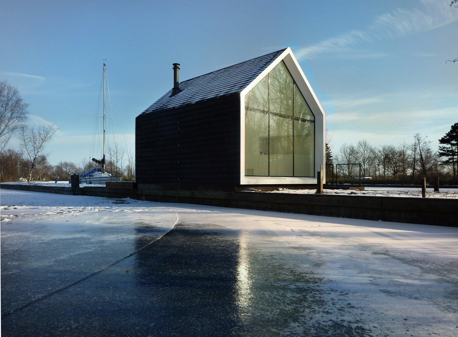 By Architects Island House Exterior Via Smallhousebliss