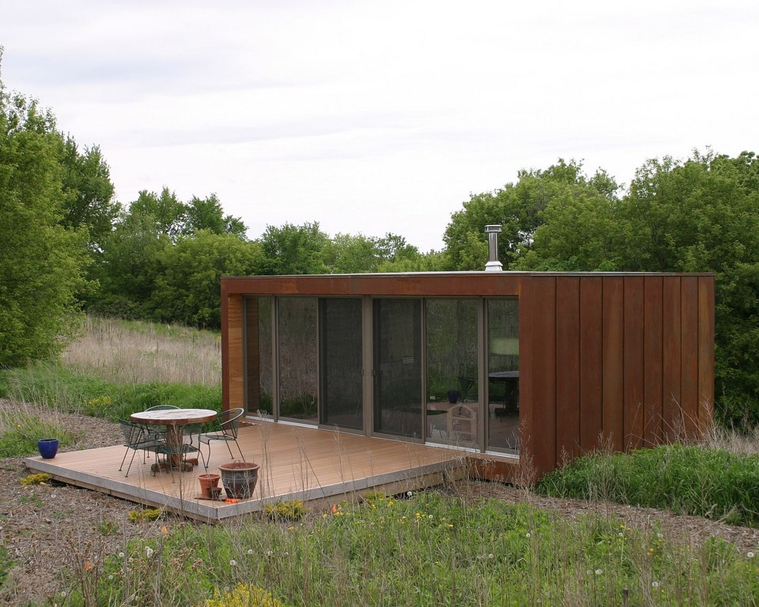 Gallery the arado weehouse a modern prefab cabin for Small home architects