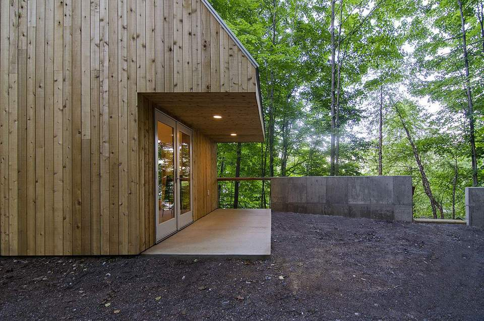 The Polygon Studio, a sculpture studio and guesthouse with a zigzagging roof. It has 409 sq ft on the ground floor plus a loft bedroom. | www.facebook.com/SmallHouseBliss