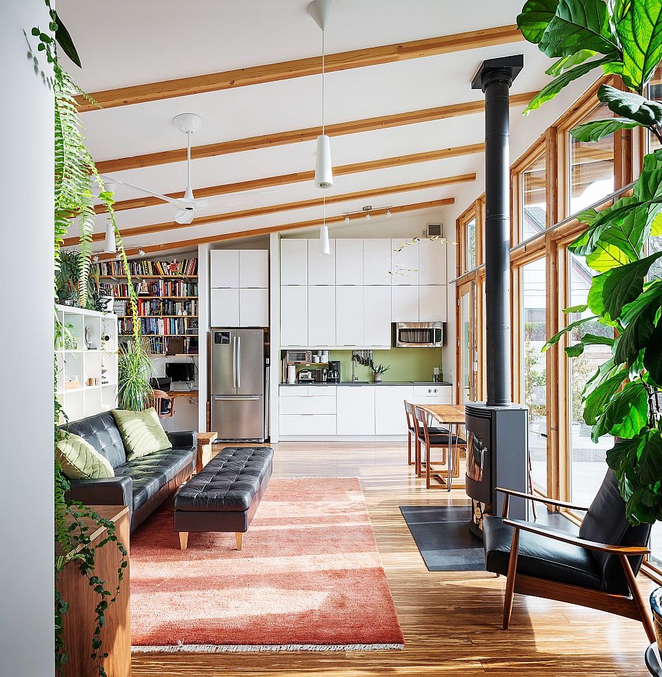 Modern Tiny House Cabin: An Owner-built Studio Dwelling