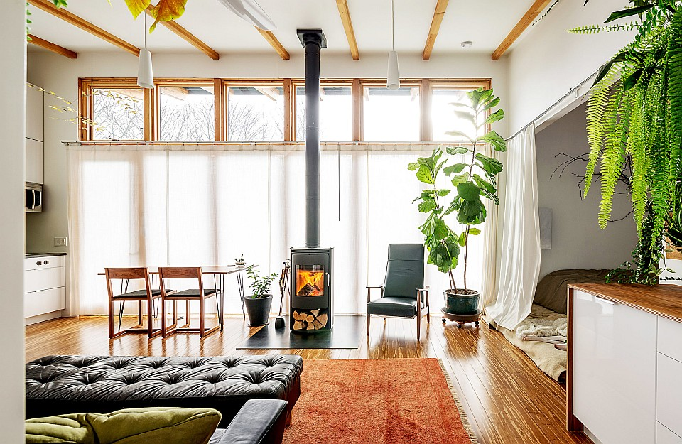 This modern studio dwelling with 704 sq ft, all on a single level, was designed and built by the owners. | www.facebook.com/SmallHouseBliss