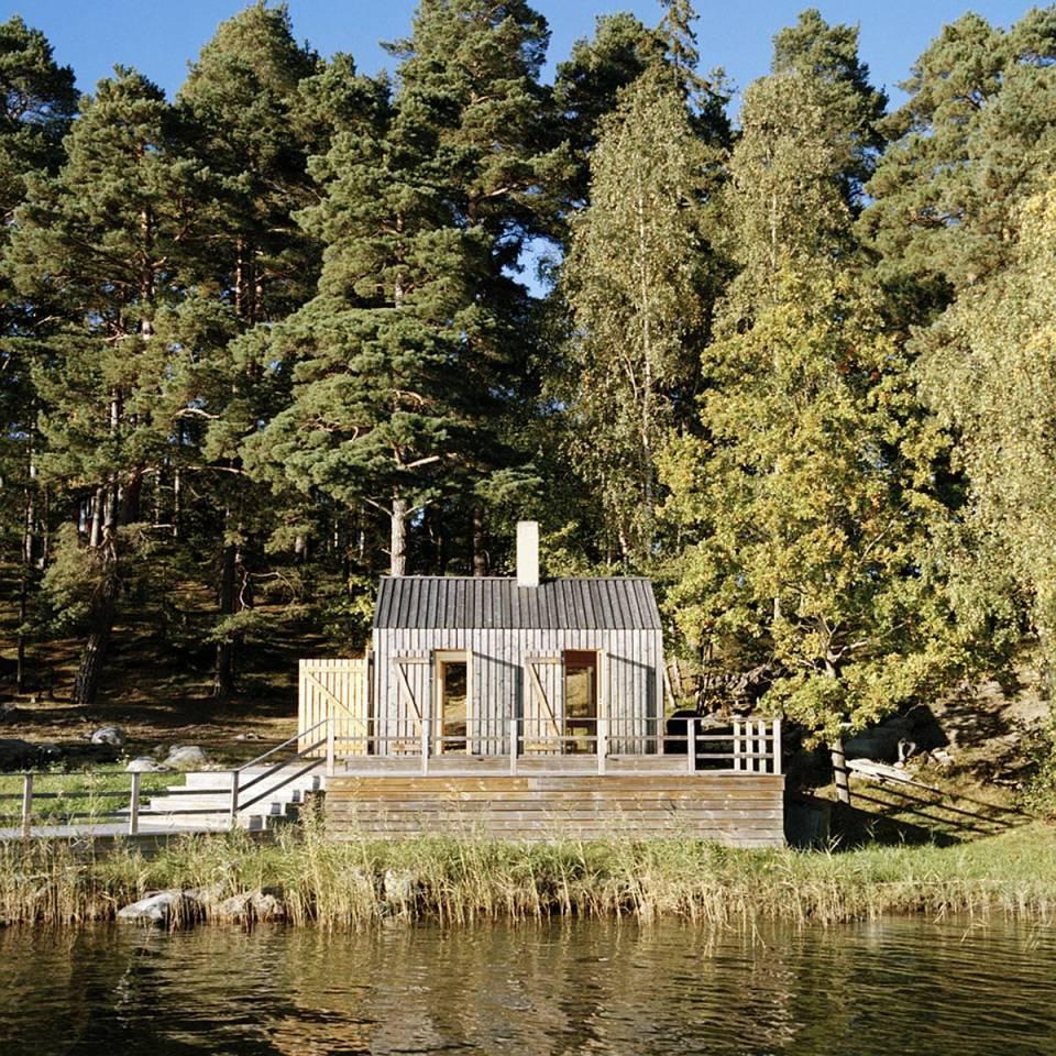 A Swedish sauna building that would be a terrific little cabin. | www.facebook.com/SmallHouseBliss