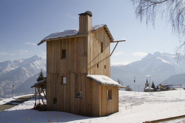 Casa Solare combines rustic design and energy self-sufficiency | Studio Albori