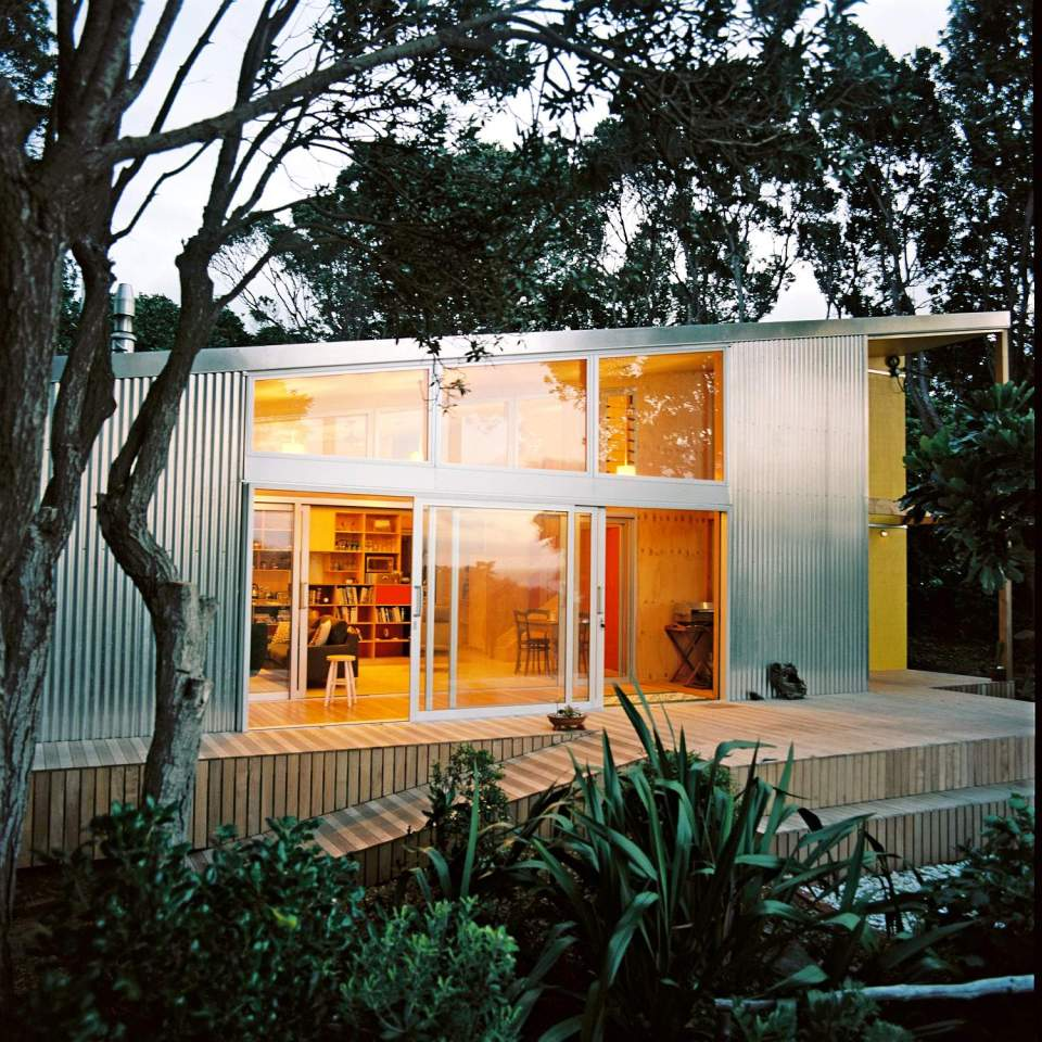 A stunning bach for a new zealand family for Small house design nz