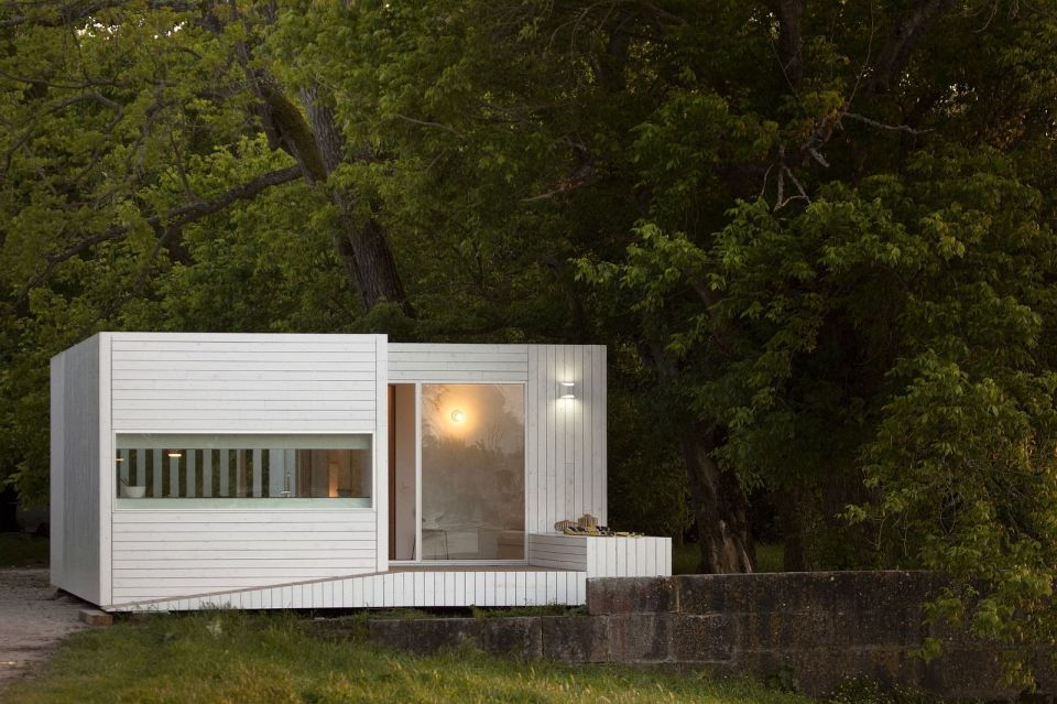Treehouse Riga, a compact modular home with 2 bedrooms in just 474 sq ft. A sliding wall gives it a flexible floor plan. | www.facebook.com/SmallHouseBliss