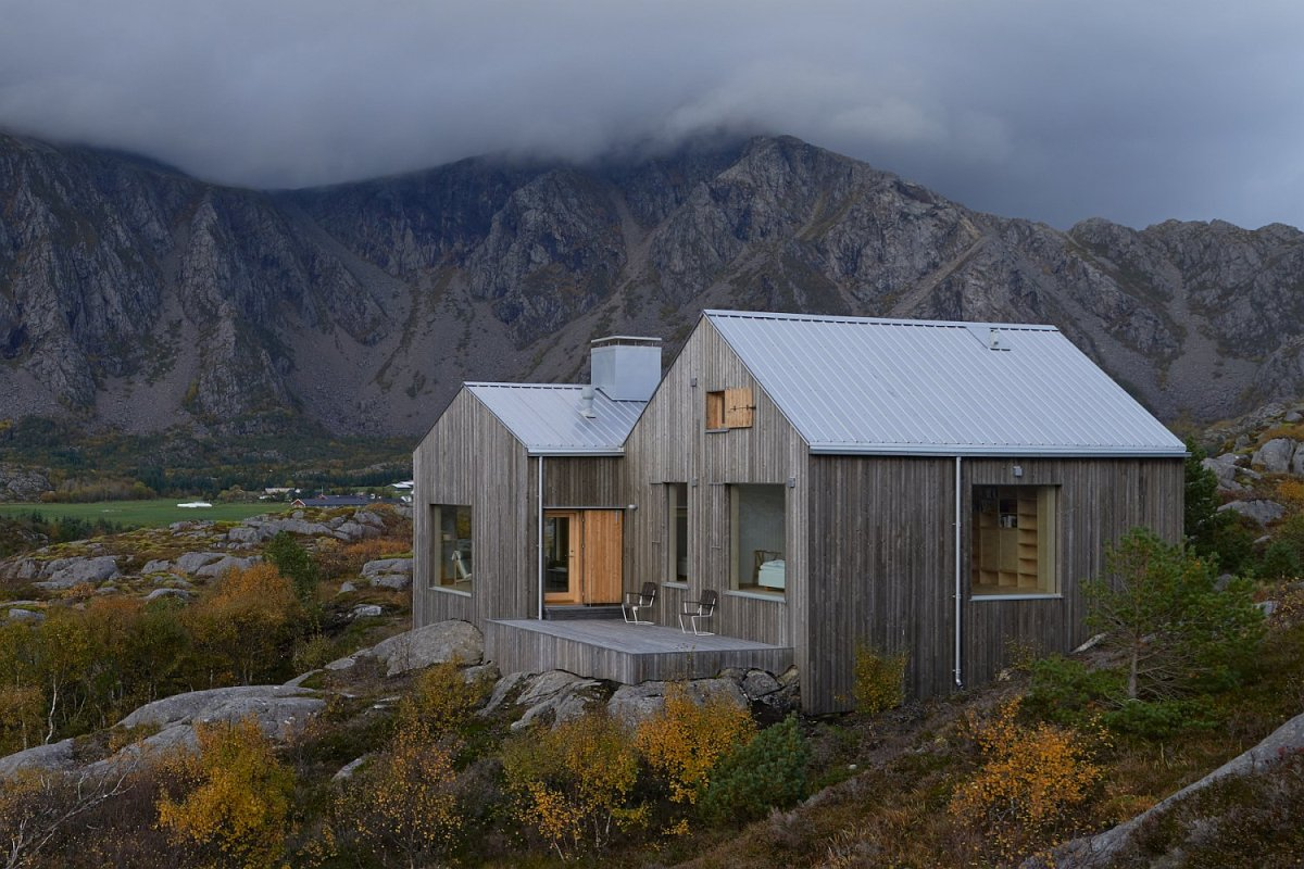 A cottage in norway modeled on traditional boatsheds for Remote cabin plans