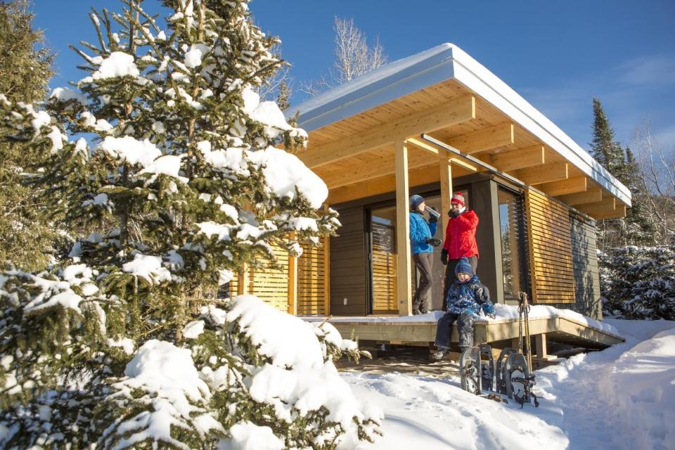 Chalet EXP, a modern 320 sq ft studio cabin for vacation rentals in a Quebec provincial park. | www.facebook.com/SmallHouseBliss