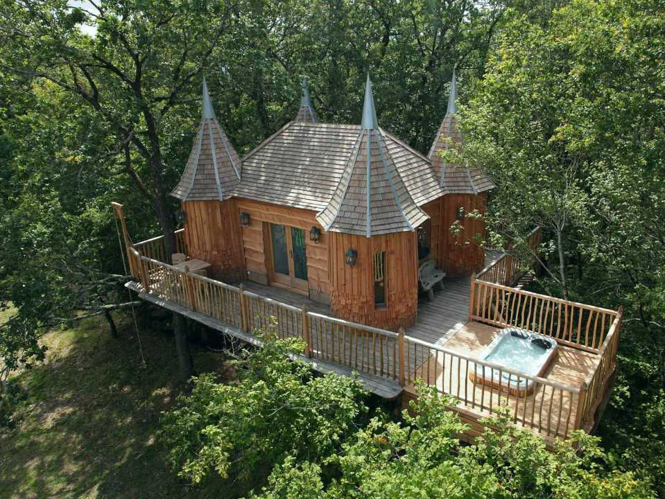 Cabane Monbazillac at Châteaux Dans Les Arbres is a luxury treehouse with 1 bedroom in 280 sq ft. | www.facebook.com/SmallHouseBliss