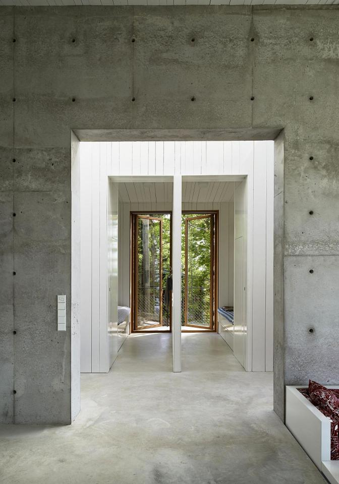 This contemporary lakeside cottage in Sweden has 3 small bedrooms in 1,249 sq ft. | www.facebook.com/SmallHouseBliss