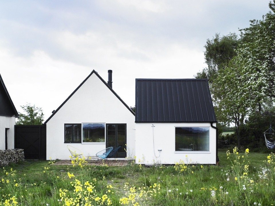 Summerhouse sk ne a renovated farmhouse lasc studio for Swedish home design
