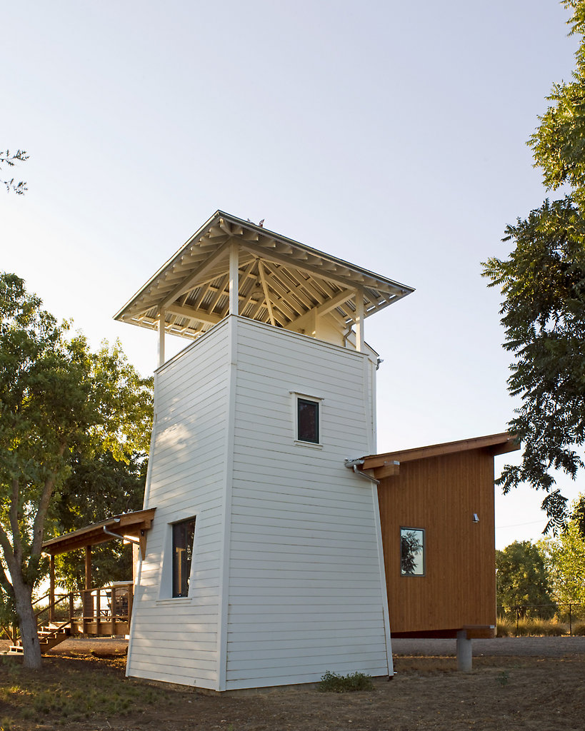 This Small Cabin Modeled On Old Fashioned Water Towers Has 1 Bedroom And A  Loft