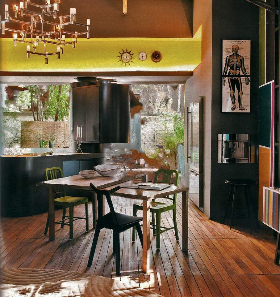 """A nondescript 1930s house was renovated to create """"Cabana Urbana"""", a vibrant weekend retreat in São Paulo, Brazil with a 914 sq ft studio plan. 