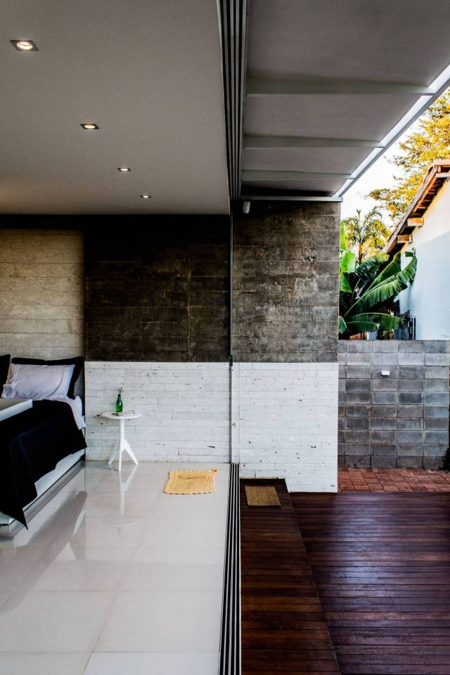 House 12.20 is a modern bachelor pad in Brazil. It has a 484 sq ft studio plan, although the bedroom area could easily be closed off. | www.facebook.com/SmallHouseBliss
