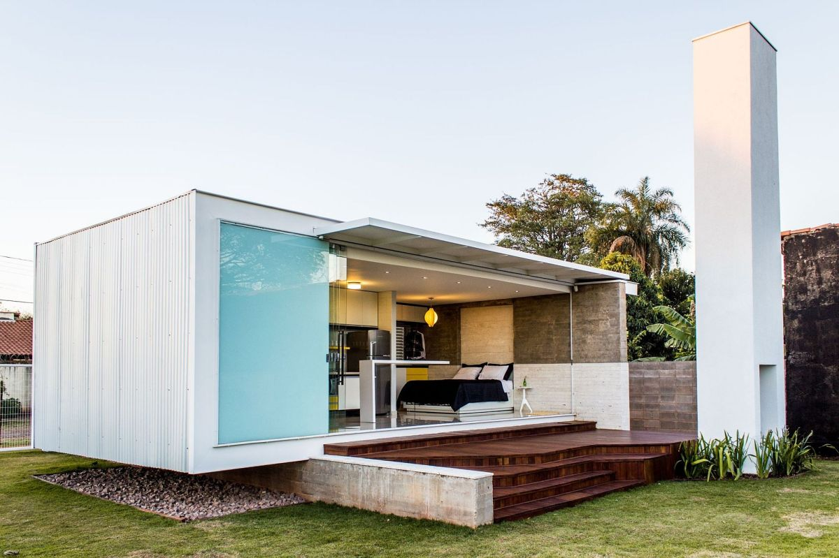 House a modern bachelor pad in brazil alex for Modern tiny house design