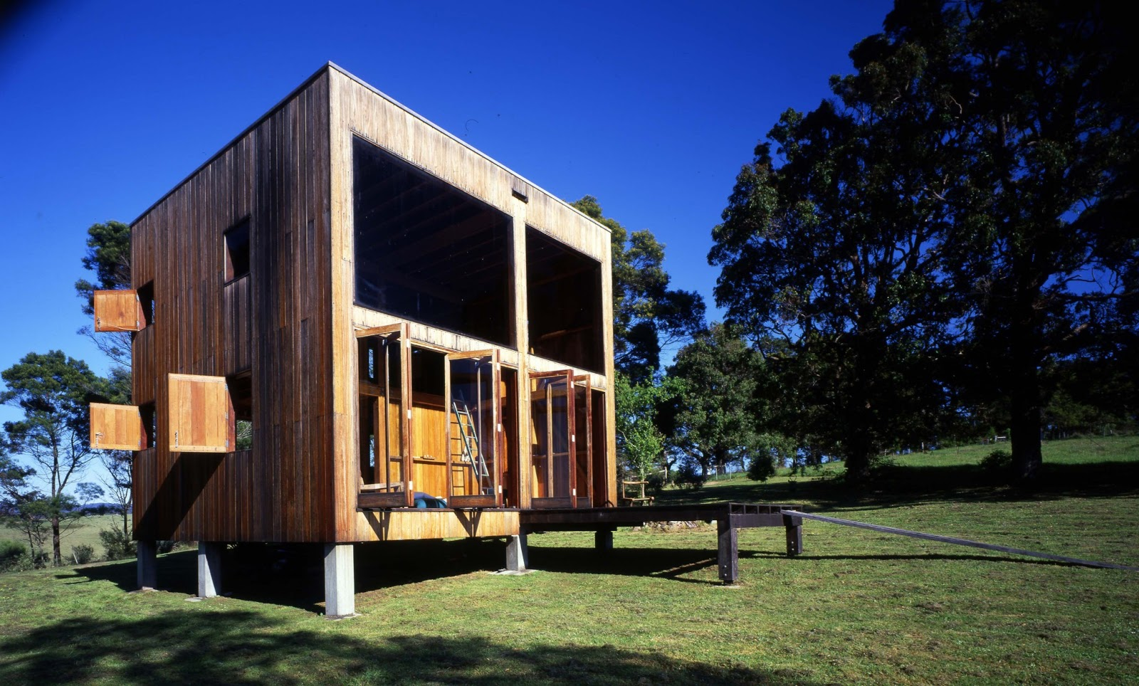 gallery the box house an off grid cabin in australia nicholas murcutt small house bliss. Black Bedroom Furniture Sets. Home Design Ideas