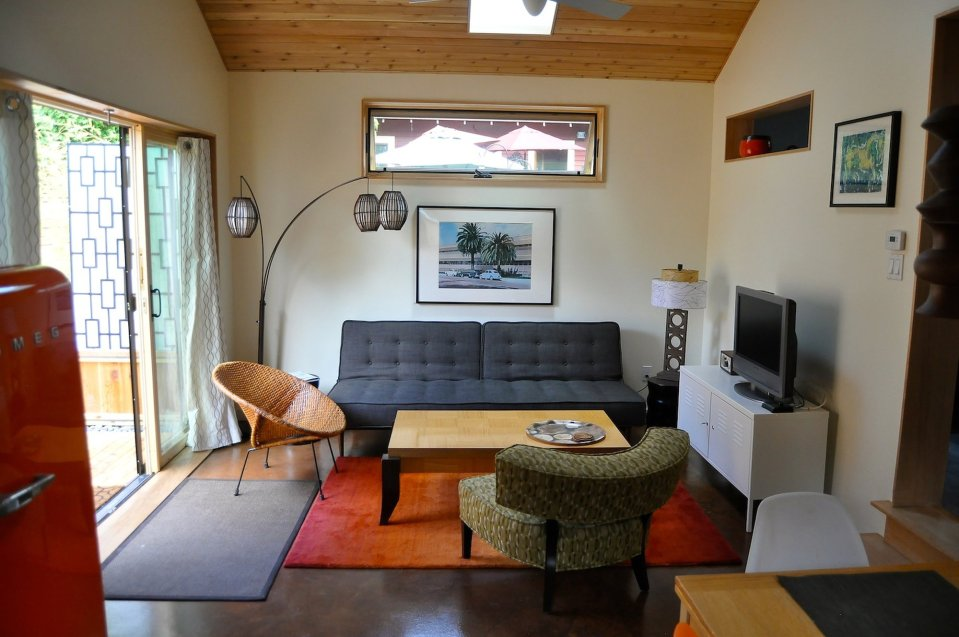 PDX Eco Cottage, a sustainably built Craftsman-style backyard cottage with Mid-Century Modern interior. It has 1 bedroom in 550 sq ft. | www.facebook.com/SmallHouseBliss
