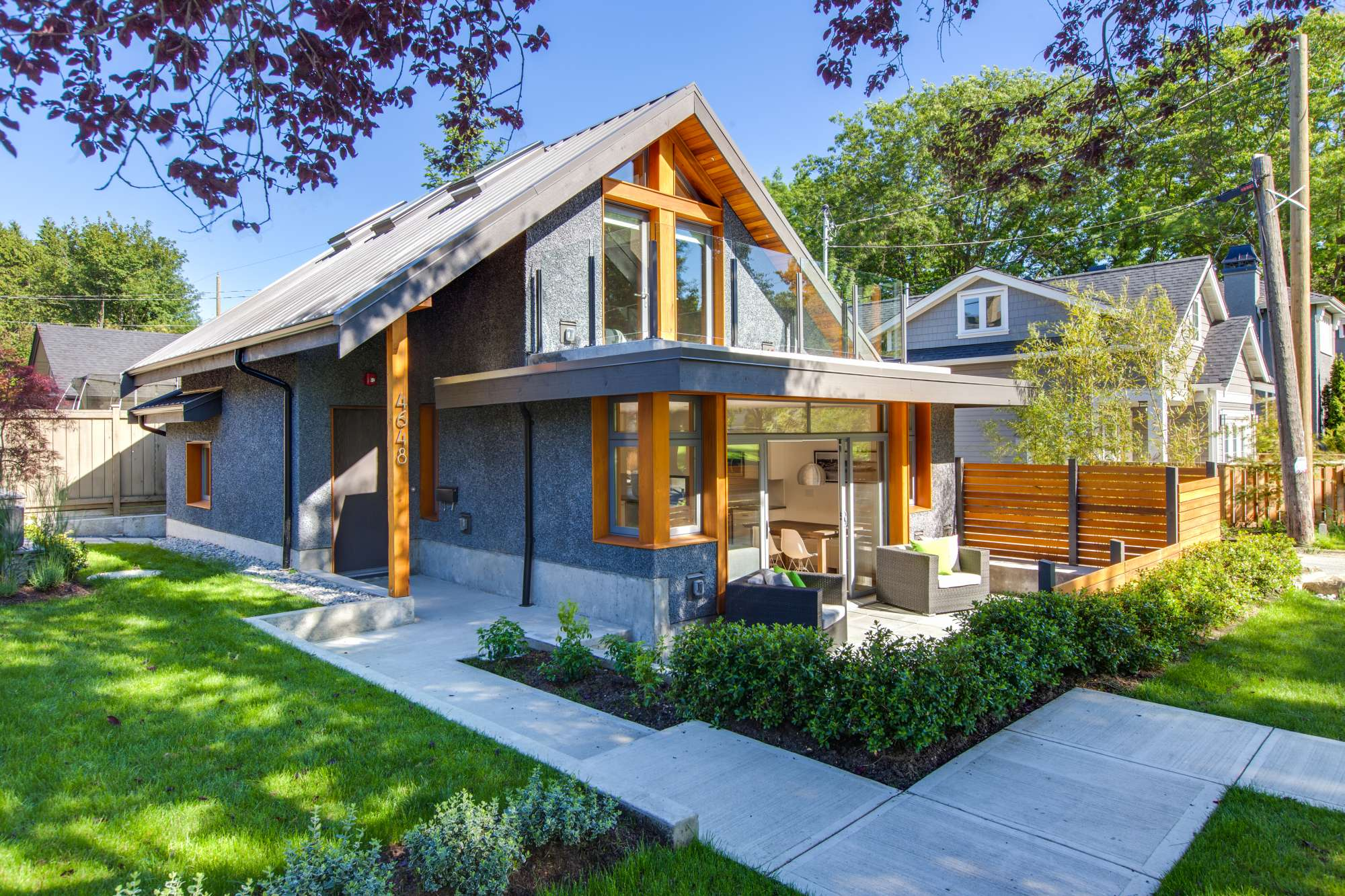 A laneway house for a young family lanefab small house for Small house bliss