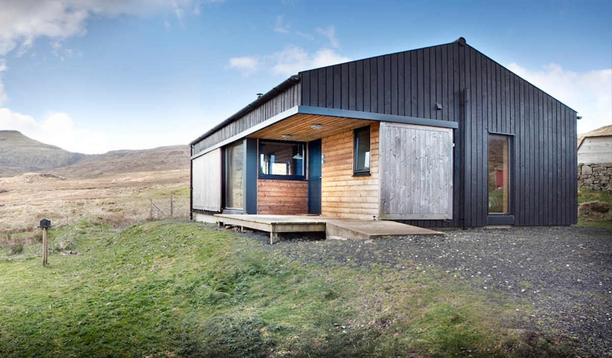 The black shed rural design architects small house bliss for Building a cottage on a budget