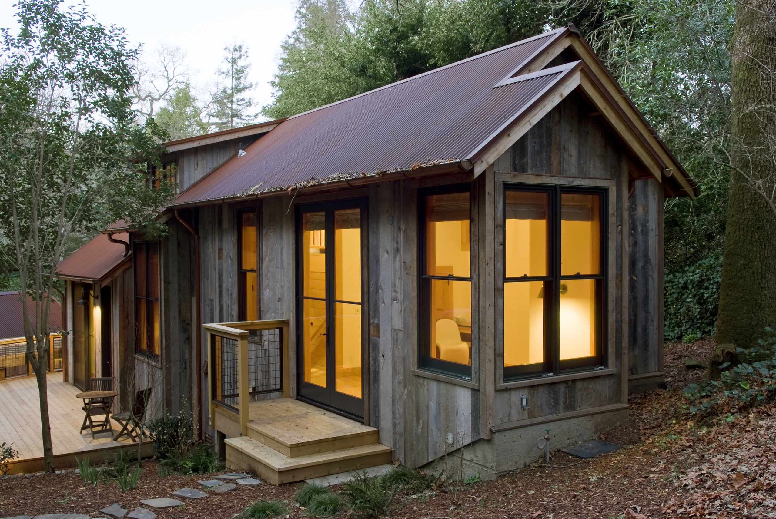 A handcrafted rustic guest cabin | Dotter \u0026 Solfjeld | Small House ...