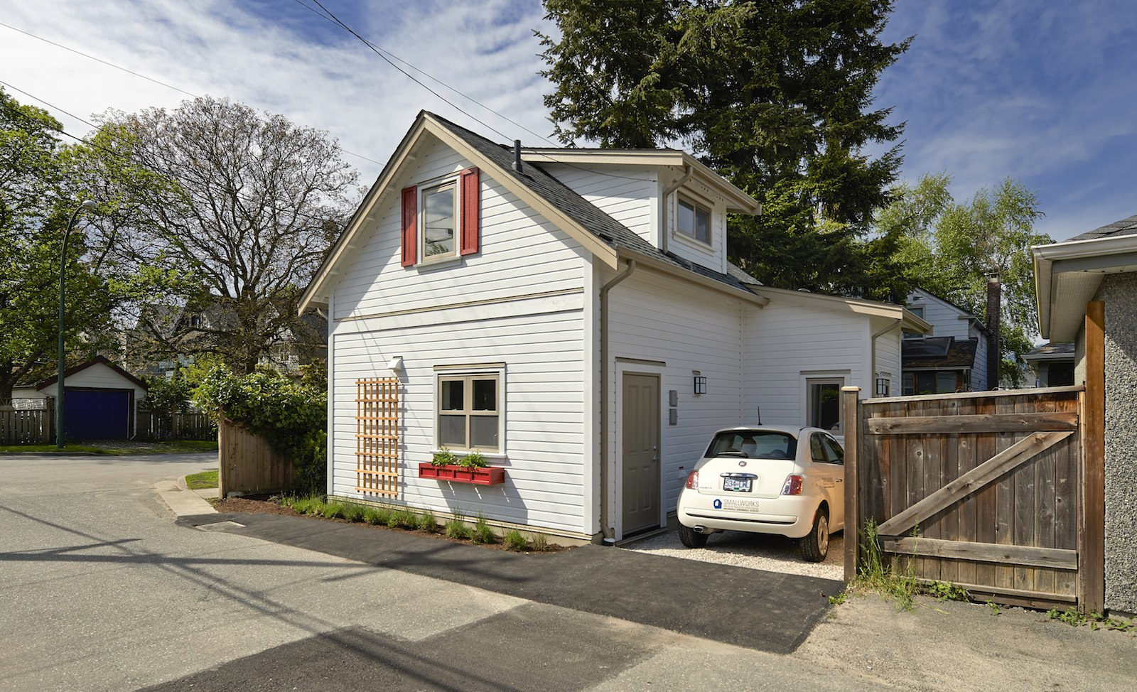 Gallery A Charming Laneway Cottage In Vancouver