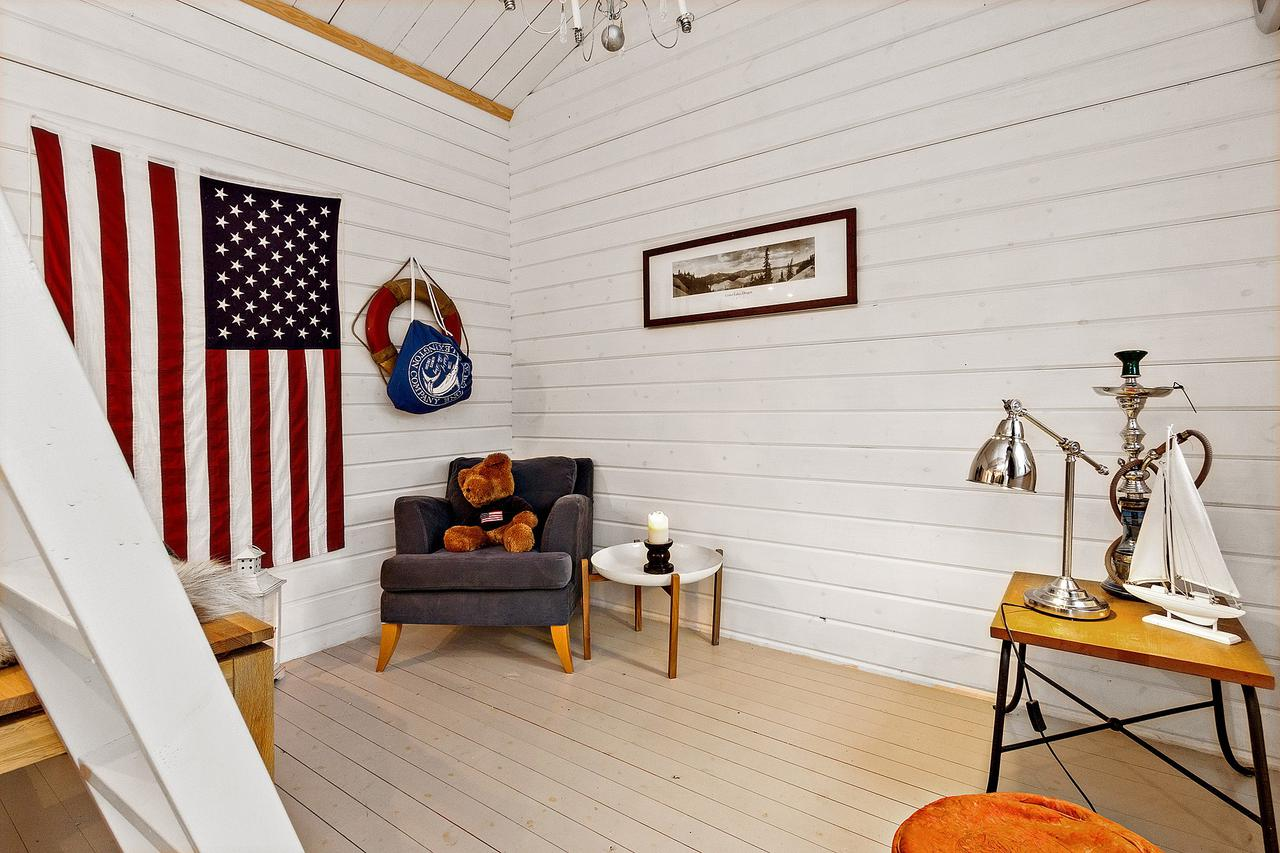 Tiny 160 Sq Ft + Loft Guest House On A Farm In Sweden. | Www
