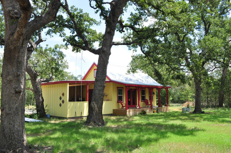 this country cottage in texas has one bedroom and a loft in 416 sq ft