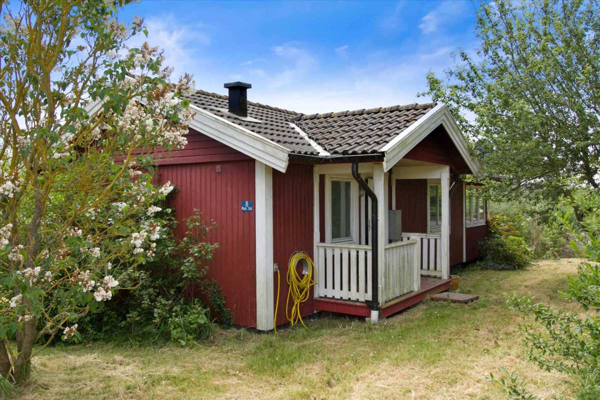 Little red cottage in denmark small house bliss for The cottage house