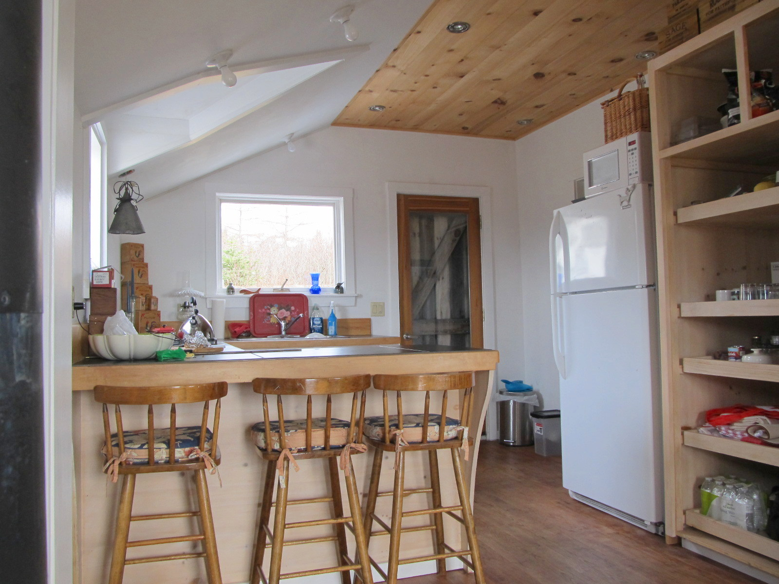 Gallery: Coastal cottage on Grand Manan Island   Small House Bliss on brown home furniture, lake home furniture, pulaski home furniture, sterling home furniture, western home furniture, awesome home furniture, patio with fire pit furniture, hamilton home furniture, cherokee home furniture, modern home furniture, beautiful home furniture, phillips home furniture, george home furniture, lavish home furniture, noble home furniture, bright home furniture, classic home furniture, cheyenne home furniture, island home furniture, action home furniture,