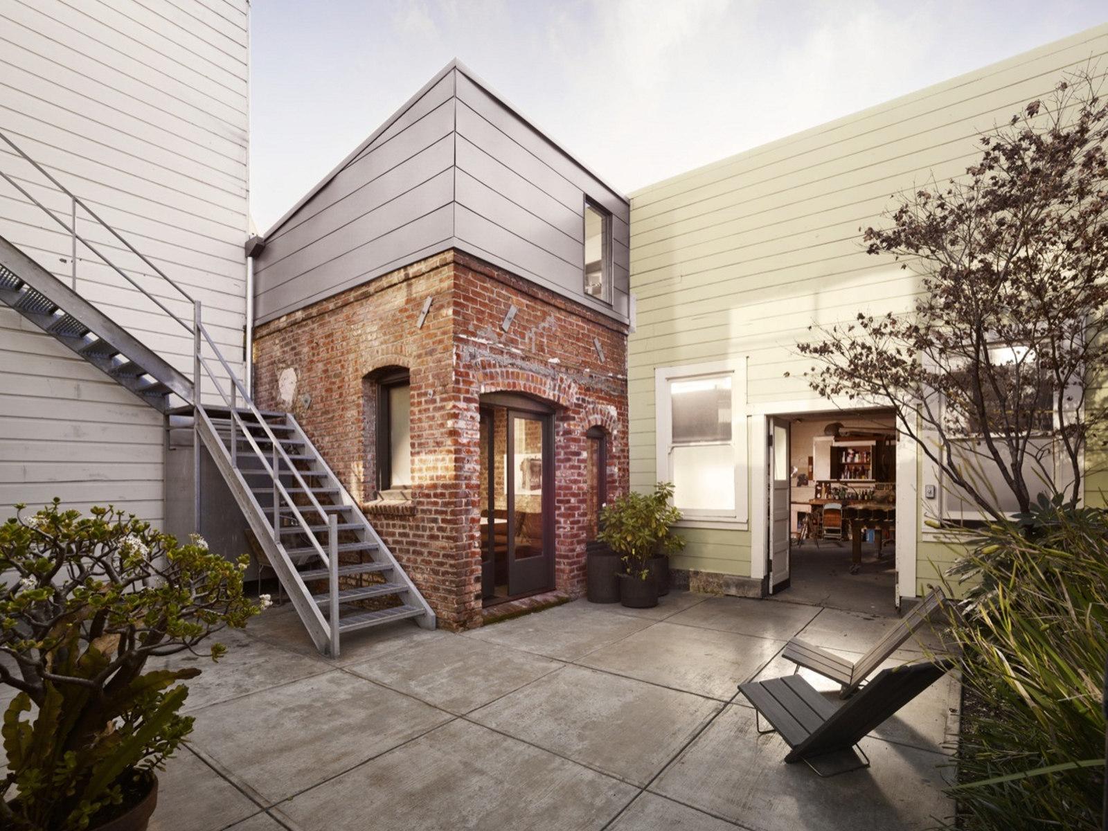 Half Brick House Designs : Half Brick House Designs : christi-azevedo-brick-house-exterior2.jpg