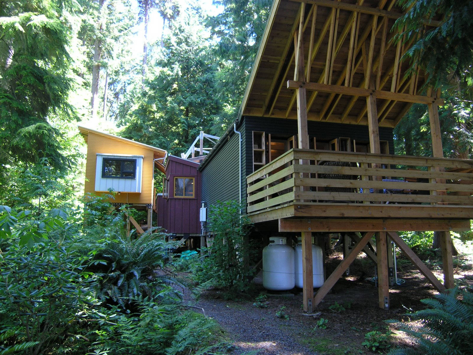 whidbey island compound house5 via smallhousebliss - View Small House Compound Design Background