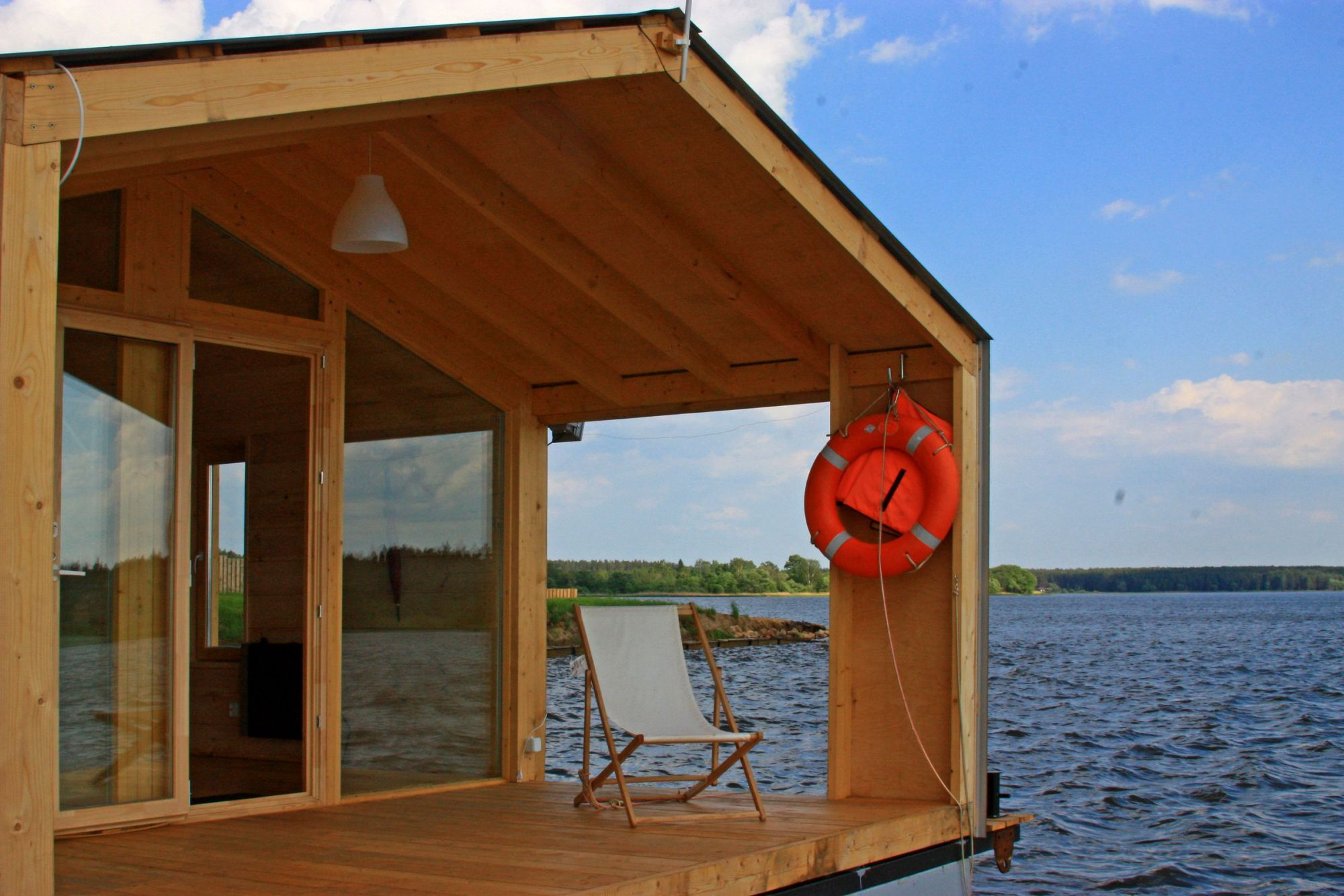 Dubldom Houseboat A Modular Floating Cabin With A 280 Sq Ft Studio Floor  Plan   Small