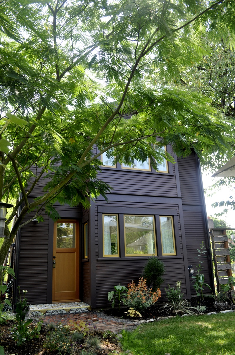 gallery compact guest cottage in portland dyer studio small