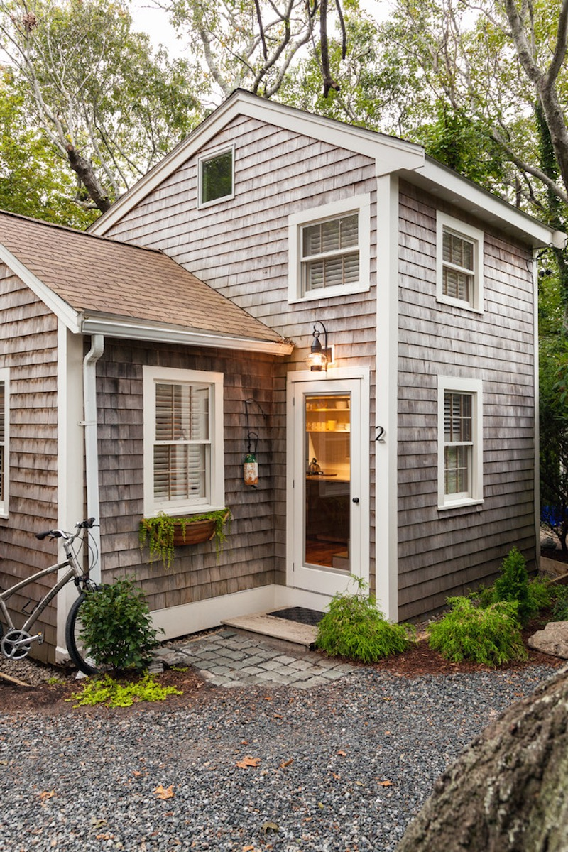 this tiny 1940s summer cottage on cape cod was renovated into a year round retreat