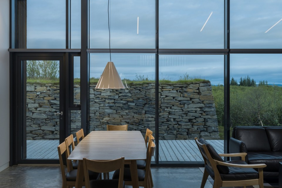 Modern Icelandic turf houses : PK Arkitektar : Small House ...