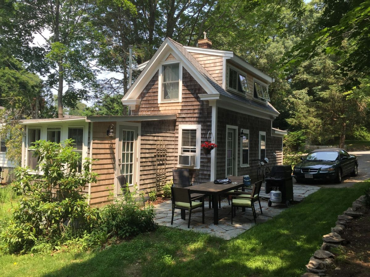 Tiny cape cod cottage small house bliss for Cape cod tiny house