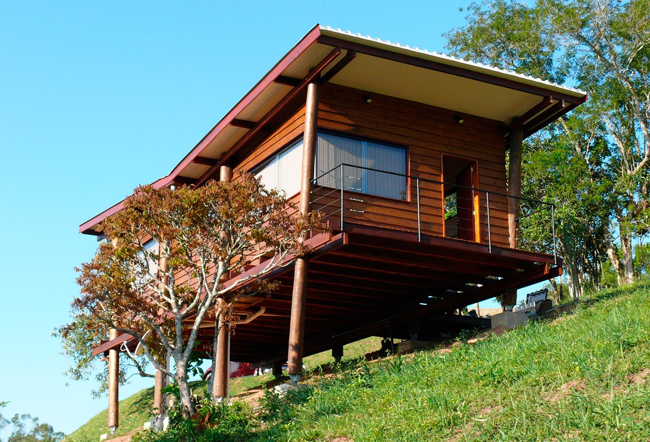 gallery casa em guararema a small wooden house in brazil cabana arquitetos small house bliss. Black Bedroom Furniture Sets. Home Design Ideas
