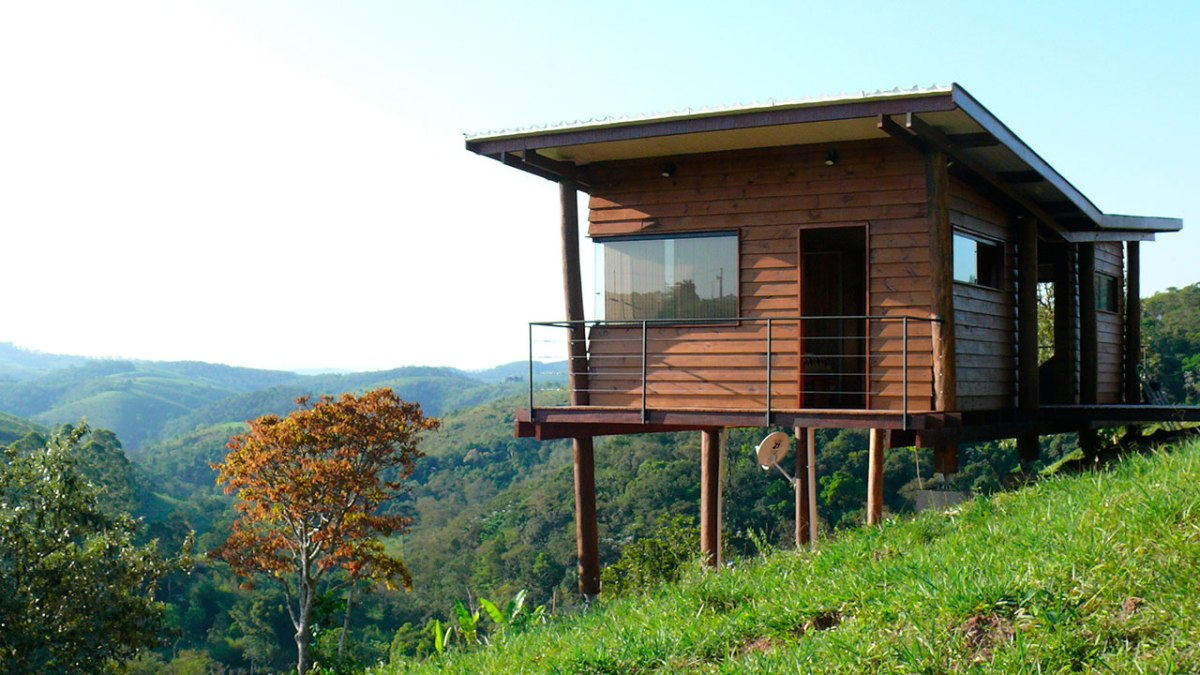 Fabulous Casa Em Guararema A Small Wooden House In Brazil Cabana Largest Home Design Picture Inspirations Pitcheantrous