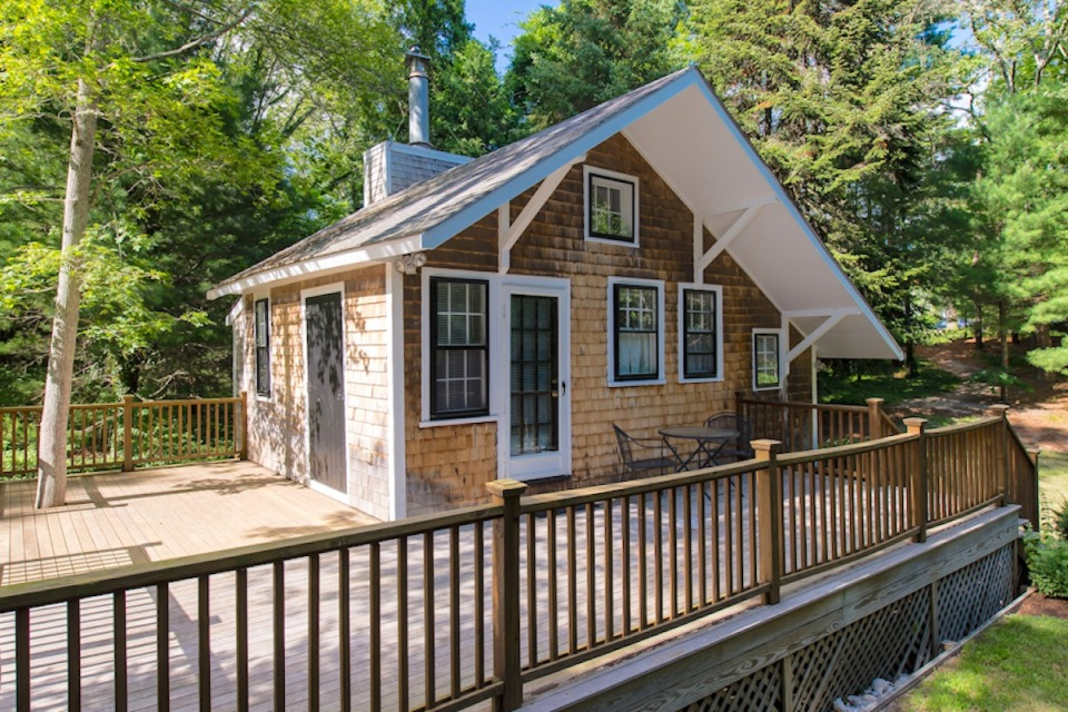 Tiny studio cottage on Cape Cod Small House Bliss