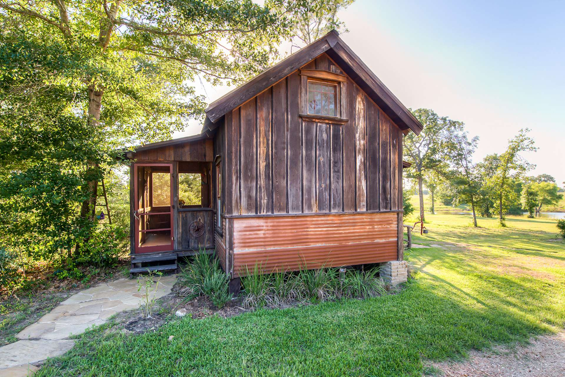 Charmant Published February 29, 2016 At 1920 × 1280 In The Cowboy Cabin | Tiny Texas  Houses
